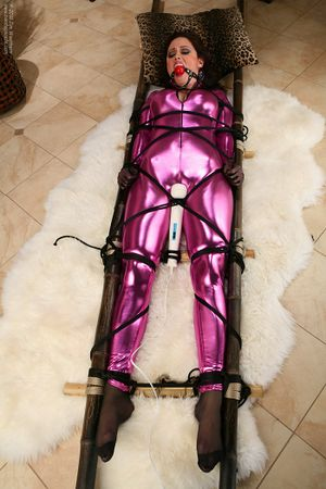 auflegevibrator latex fetish sex